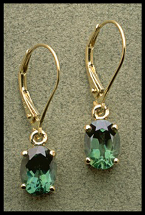 Oval Shape Dangle Earring with Green Quartz