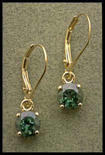 Round Shape Dangle Earrings with Green Quartz